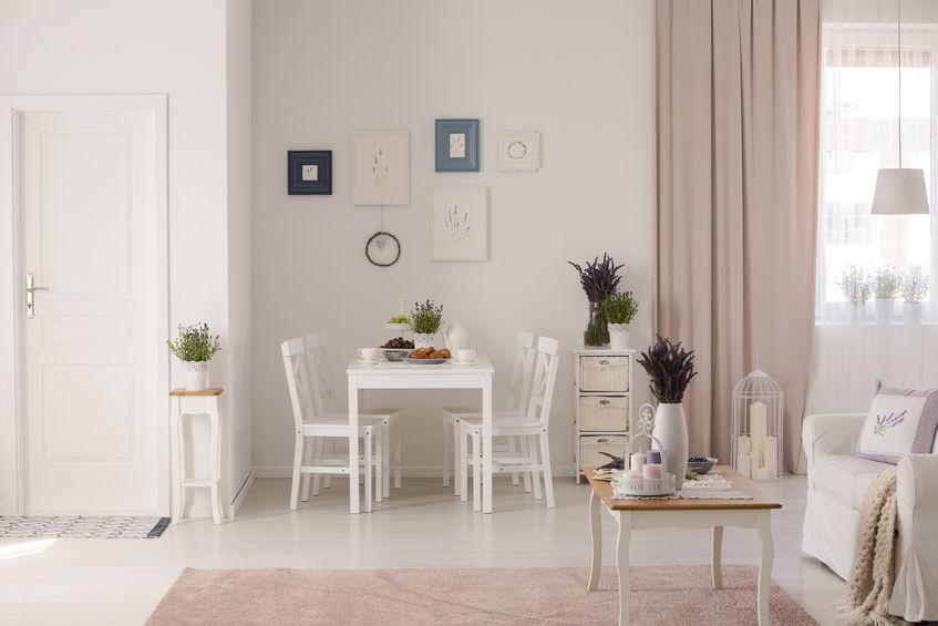 rideaux roses salle à manger