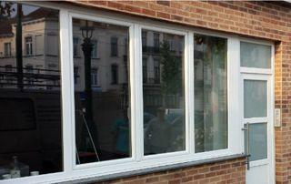 Porte et fenêtres en PVC blanc