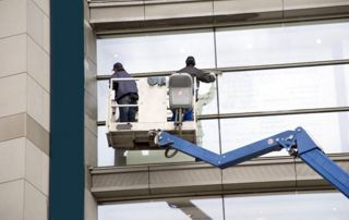 equipement laveurs de vitres en hauteur