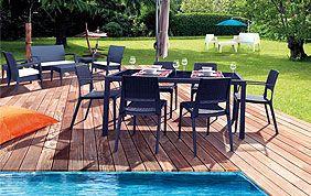 table et chaises en fer forgé noir