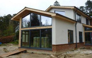 nouveaux châssis sur maison en construction