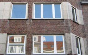 façade avec châssis en PVC