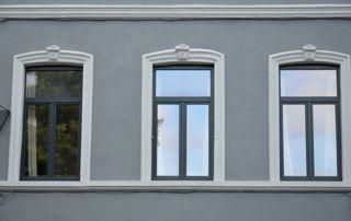 façade avec profilés en aluminium