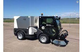 machine pour nettoyer les parkings