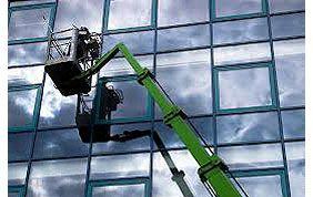 Nacelle nettoyage de vitres immeuble