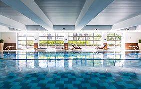 Découvrez la piscine d'Aspria Arts-Loi ici !