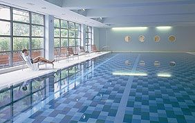 Bien tre piscines jacuzzi bruxelles for Piscine ixelles
