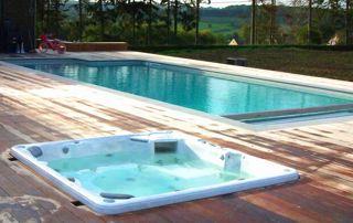 piscine sur mesure avec jacuzzi