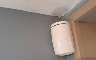 alarme sur mur intérieur