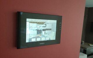 Système surveillance caméra écran boitier mural