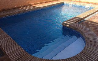 piscine de forme irrégulière