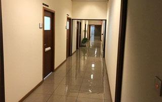 nettoyage couloir immeuble
