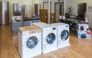 Showroom avec machines à laver