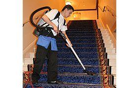 aspirage moquette escalier
