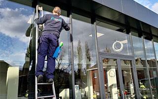 lavage de surfaces vitrées