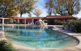 Bassin Biodesign et villa