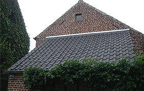 vieille toiture en ardoise