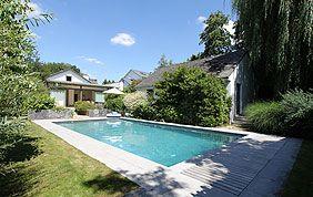piscine rectangulaire extérieure