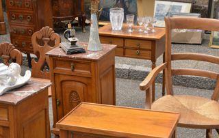 mobilier ancien sur brocante