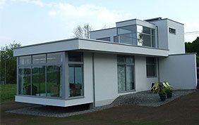 Vue extérieure de maison contemporaine
