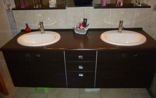 Evier de salle de bain double vasque