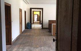 Couloir et pièces en enfilade