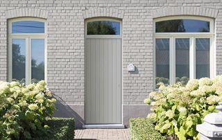porte extérieure claire