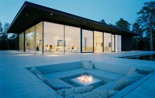 belle villa avec terrasse et piscine extérieure