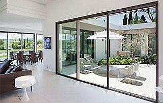 baie vitrée en PVC