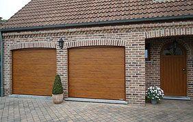 2 portes sectionnelles en bois