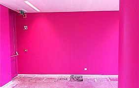 peinture murale rose vif