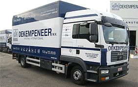 Dekempeneer moving truck