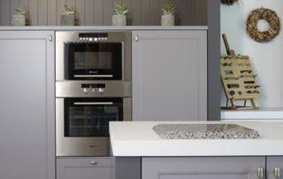 Meuble de cuisine avec four et micro-onde intégré