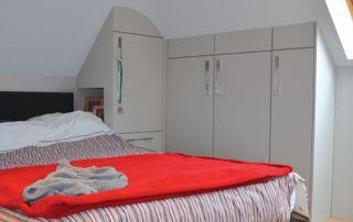 placard chambre à coucher sous pente