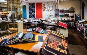 catalogues de papiers peints chez Deco Ligot à Bruxelles