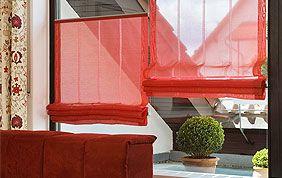 stores plissés rouges semi-opaques