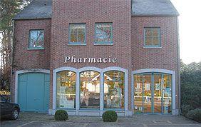 pharmacie avec châssis de portes et fenêtres bleus