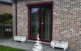 porte fenêtre pvc bordeaux