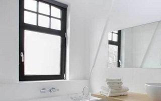 Salle de bain moderne et rénovée