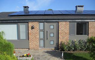 maison avec porte et fenêtres en PVC Namur