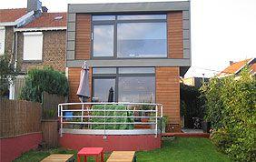 maison un étage avec bardage en bois