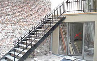 Escalier droit en extérieur