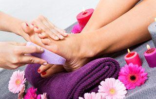 soin pédicure des ongles et plante des pieds