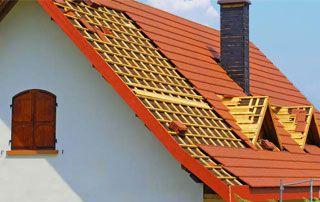 Construction de toiture en ardoise