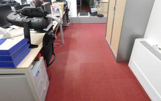 Moquette rouge de bureau