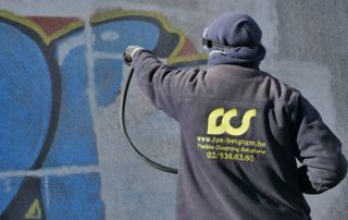 nettoyage graffitis mur