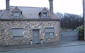 maison avec volets roulants en PVC