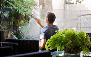 Lavage de cloison vitrée