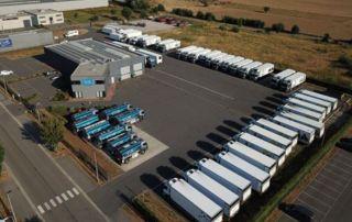 Entrepôt camions de livraison de mazout