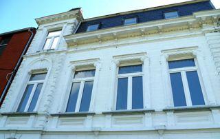 façade avec fenêtres PVC